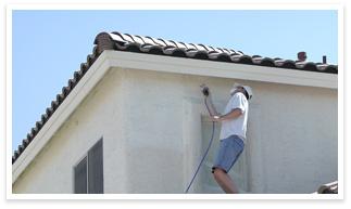 屋根での作業